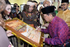 Fachrori Buka Buka Celebration Of Day dan Pameran Photo Jambi Tempo Doeloe di Bandara Sultan Thaha