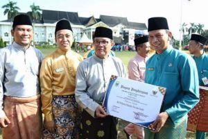 Terima 2  Penghargaan di HUT Jambi, drg Iwan Dinonjob Dari Jabatan Direktur SDM RSUD Raden Mattaher