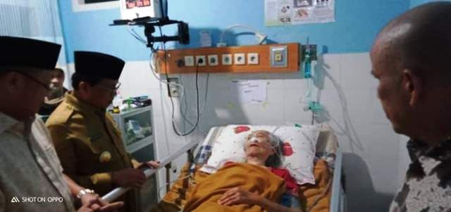 Setelah HBA, Fachrori juga Jenguk Ibunda CE di Rumah Sakit