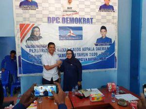 Resmi Mendaftar di Demokrat, Hafiz Ajak Camelia Bersama di Pilbup Batanghari