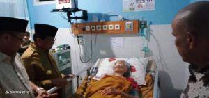 Jenguk ke Rumah Sakit, Fachrori Doakan Ibunda Cek Endra Segera Sembuh