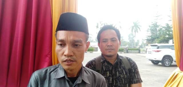 Usman Guru Honorer SMP 1 Batanghari usai menemui Ketua DPRD Provinsi Jambi, Jum'at (17/1/2020)/Doc/Jamberita.com.