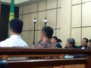 Dicerca Hakim Masalah Uang Ketok Palu, Zola: Kami Sudah Dipenjara