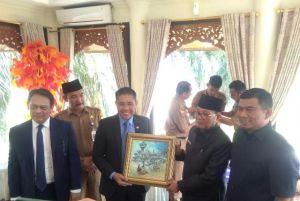 Menteri Senior Singapura Maliki Osman Temui Fachrori, Ini yang Dibicarakan