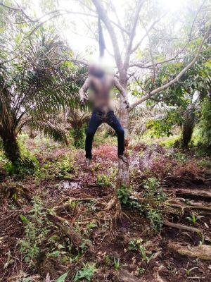 Geger, Pria Ditemukan Gantung Diri Kondisi Membusuk di Muntialo
