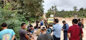 Warga Terjun Gajah Blokir Jalan, Petrochina Dinilai Ingkar Janji