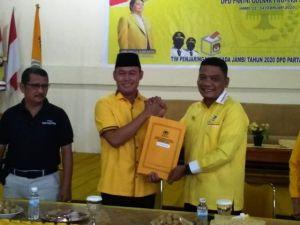 Kembalikan Formulir Sebagai Cawagub, Sukandar: Tidak Akan Kecewa Jika Golkar Tidak Mendukung