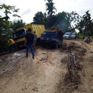 Bupati Kecewa, 80 Persen Jalan Provinsi Di Tanjabtim Kondisinya Hancur
