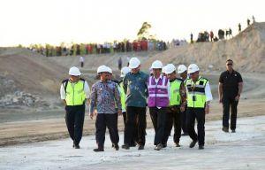 Mendagri Dampingi Presiden Tinjau Pembangunan Tol Pertama di Aceh