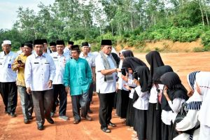 Fachrori Bantu Pembangunan Kelas Baru Madrasah Nurul Falah Pamenang