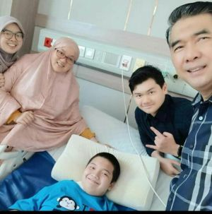 Baru Berusia 13 Tahun, Putra Bungsu Walikota Jambi Sudah Berani Jadi Imam Shalat Bagi Keluarganya