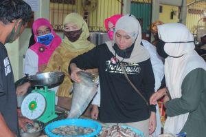 Blusukan ke Pasar Keluarga, Ratu Belanja Udang, Baung Laut, Hingga Ikan Belida
