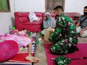 Dandim 0420/Sarko Berikan Bantuan ke Kholis yang Terkena Kanker