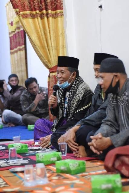 Abdullah Sani saat silaturahmi dengan warga