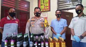 Polisi Grebek Gudang Miras di Mini Market Desi
