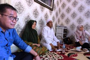 Sowan ke Pimpinan Ponpes Darul Hikam KH Rifa'i Ahmad, Ratu Didoakan Sukses di Pilgub