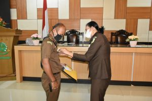 Kejari Merangin Bahas WBK Bersama Pegawai