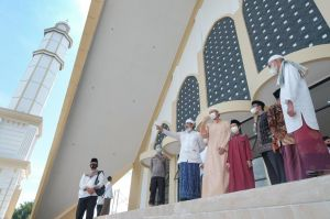 Khotib di Masjid Syekh Utsman, Bupati Pastikan Sholat Ied Sesuai Prokes