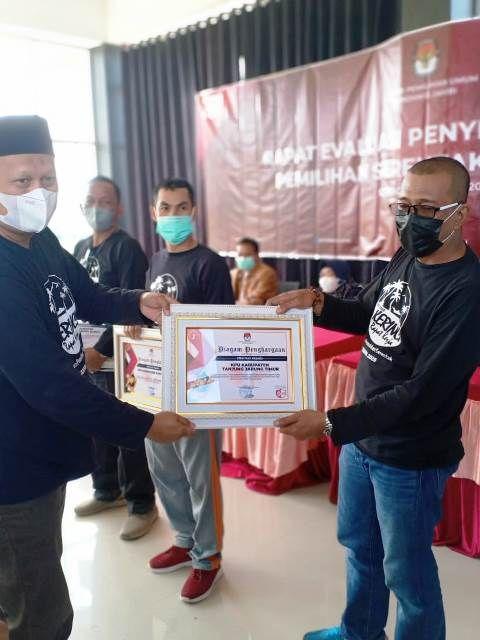 KPU Tanjabtim Raih Dua Penghargaan