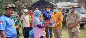 Bupati Merangin Kembali Menyerahkan Bantuan Korban Kebakaran