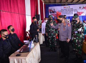 Bersama Panglima Tinjau Vaksinasi di Sumut, Kapolri Optimis Target Presiden Jokowi Tercapai