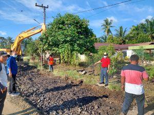 Al Haris Tinjau Perbaikan Jalan Pulau Rengas-Muarasiau Merangin
