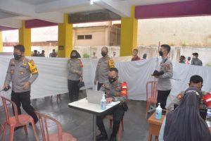 Kapolda Pantau Vaksinasi Merdeka di UNH Jambi
